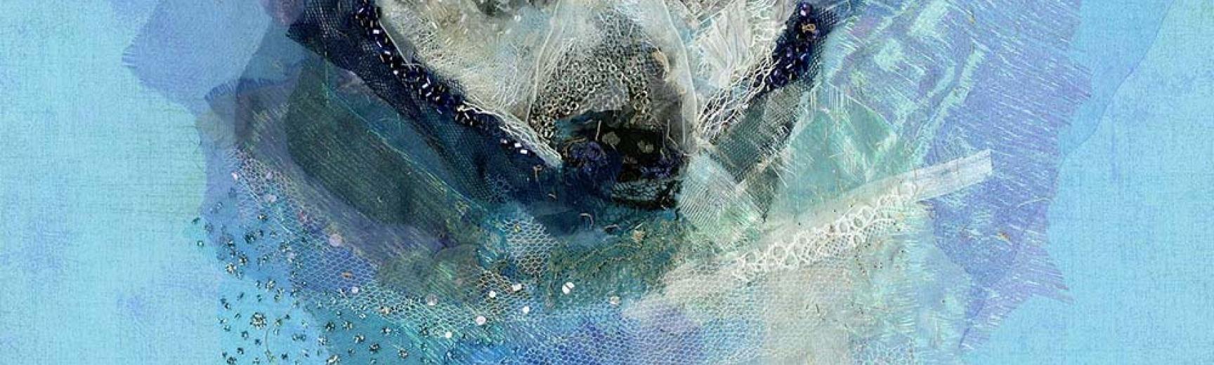 lrpolar bear swimming