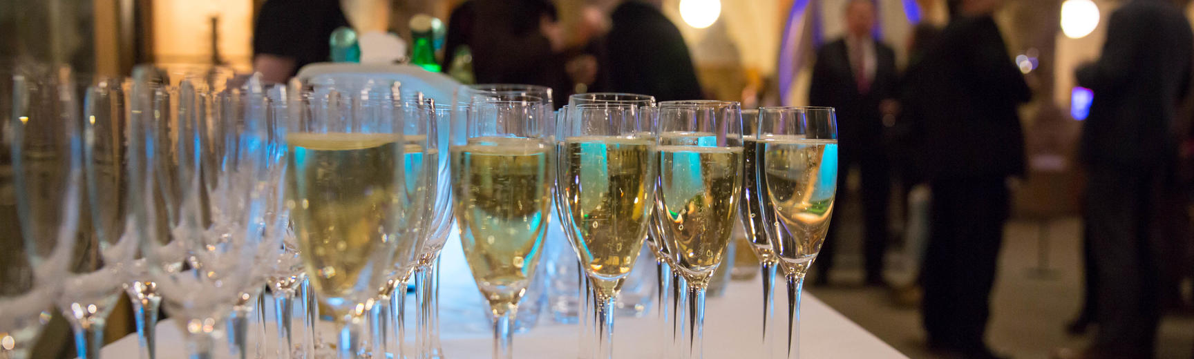 events  champagne glasses