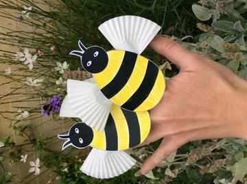 photo of completed bee finger puppets